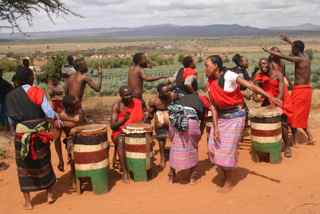 I was invited to dance with the Taita's!  Click here to see!